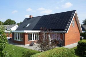 Billedeeksempel af solcelleanlæg leveret af klimaenergi