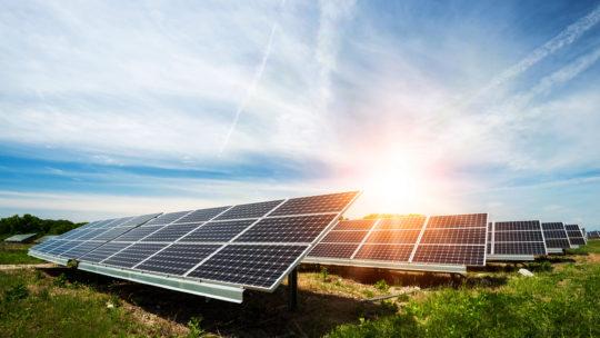 Solcelleanlæg – en sikker investering i usikre tider